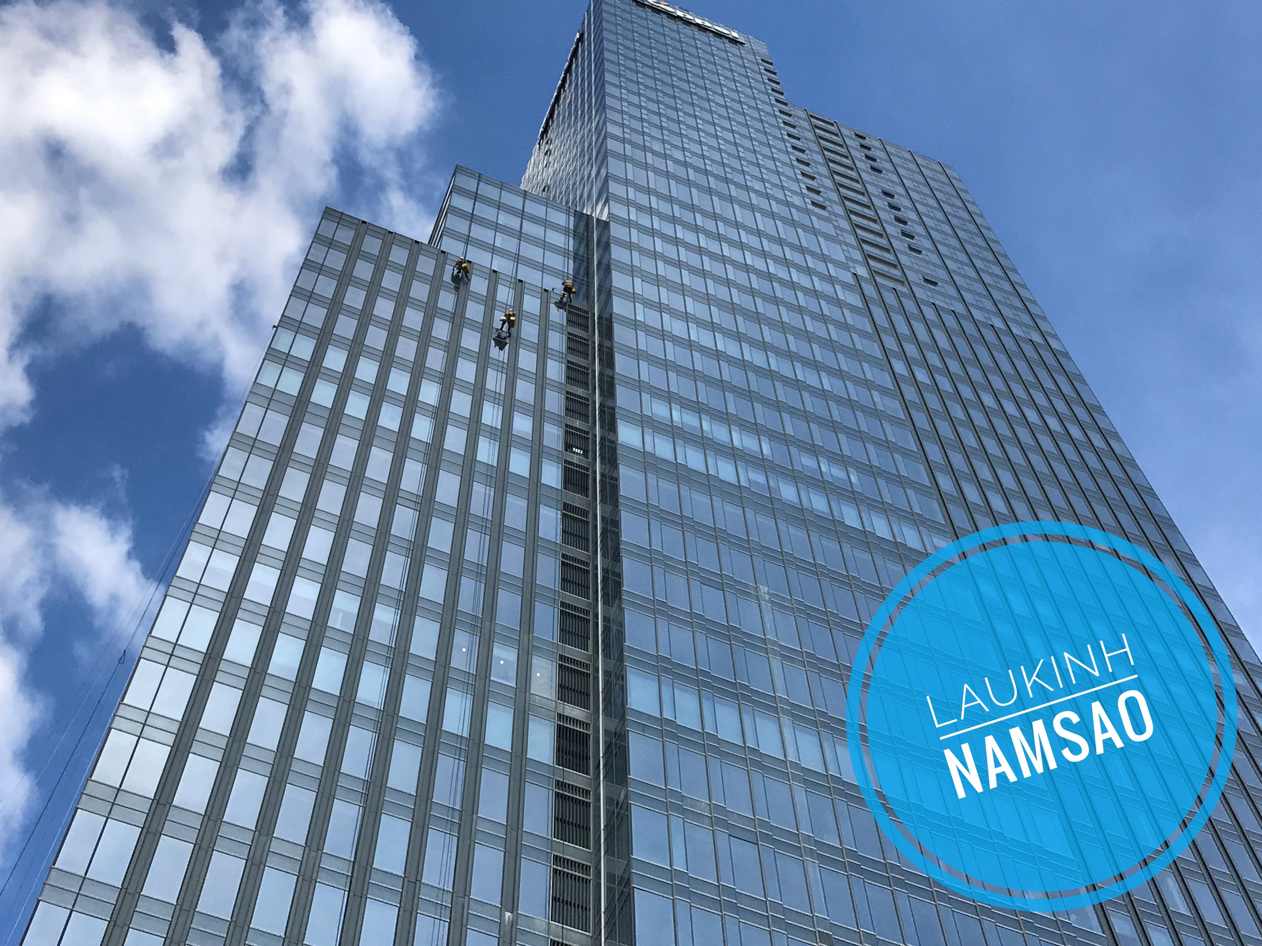 Các rủi ro khi tự lau kính nhà cao tầng