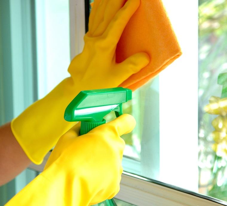 Cách vệ sinh kính chung cư chuẩn nhất