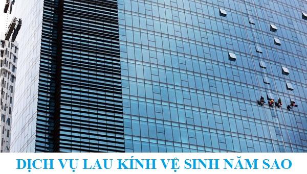 Tại sao nên sử dụng dịch vụ lau kính tòa nhà cao tầng